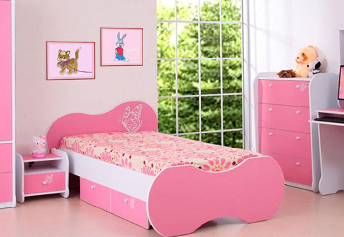Giường ngủ cho bé gái 5 tuổi thiết kế hình cánh bướm