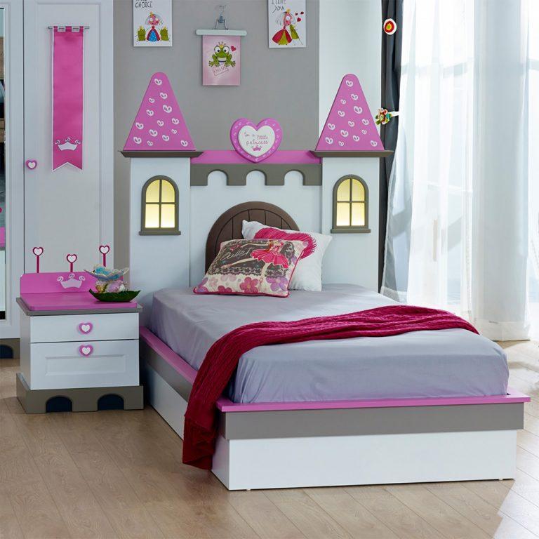Giường ngủ cho bé gái 5 tuổi thiết kế hình lâu đài