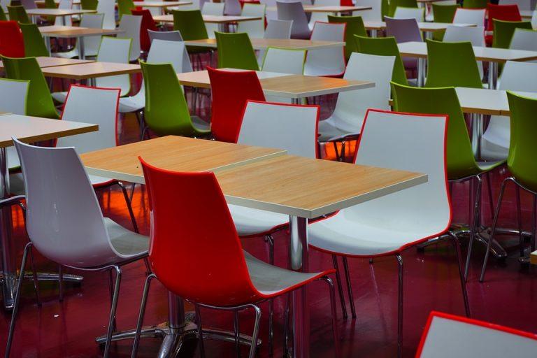 Bàn ghế nhựa cafe chân inox