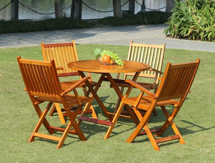 Nhược điểm của bàn ghế gỗ xếp ngoài trời