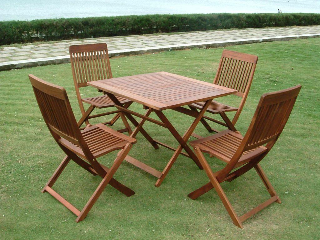 Ưu điểm của bàn ghế gỗ xếp ngoài trời